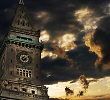 Customs House Clock Tower by LudaNayvelt