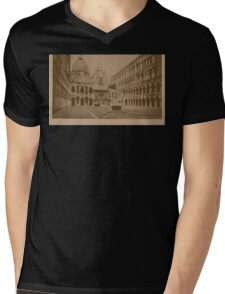 The court-yard of Doges' Palace,Venice,Italy Mens V-Neck T-Shirt