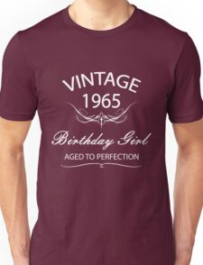 Vintage 1965 Birthday Girl Aged To Perfection Unisex T-Shirt