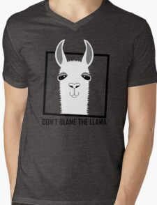 DON'T BLAME THE LLAMA Mens V-Neck T-Shirt