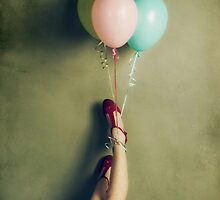 Red shoes by fotowagner