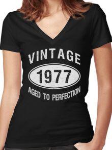 Vintage 1977 Birthday Women's Fitted V-Neck T-Shirt