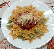 Tricolor Farfalle With Tomato Sauce by Michael Redbourn
