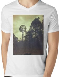 Old Southern Cross windmill Mens V-Neck T-Shirt