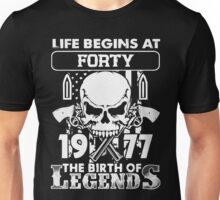 Gift 1977 The birth of Legends Shirt Unisex T-Shirt