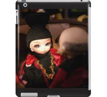 Lowercase Q iPad Case/Skin