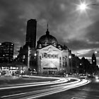 8.02 pm at Flinders street station by BeninFreo