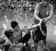 Eel Master - Pohnpei, Micronesia by Alex Zuccarelli