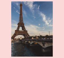 Tour Eiffel et Pont d'Iéna One Piece - Short Sleeve