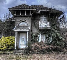 haunted house by Nicole W.