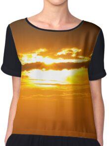 ein Schiff im Sonnenuntergang Chiffon Top
