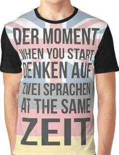 Der Moment (Brit Version) Graphic T-Shirt