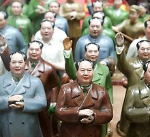 Mao Tse Tung Statues in Hong Kong by goncalodiniz
