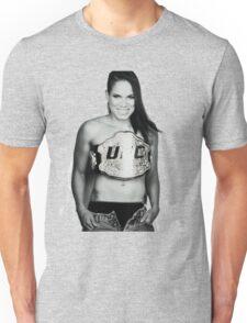 Amanda NUNES Unisex T-Shirt