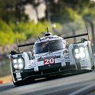 Porsche 919 racing at Le Mans ... by M-Pics