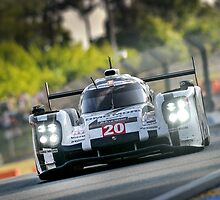 Porsche 919 racing at Le Mans ... by M-Pics