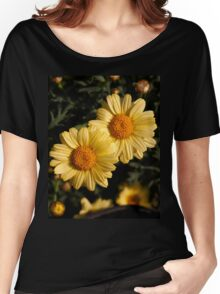 Yellow daisies in the garden Women's Relaxed Fit T-Shirt