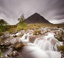 Waterfall in the highland by Natuuraandemuur