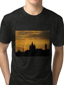 Atardecer en el Tibidabo Tri-blend T-Shirt