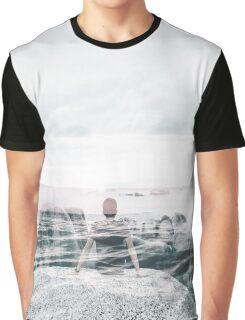 Sea Gaze Graphic T-Shirt