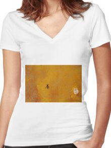 wasp honey Women's Fitted V-Neck T-Shirt