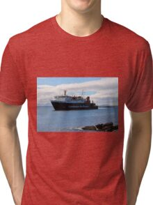 MV Lord of the Isles Arriving at Tiree Tri-blend T-Shirt