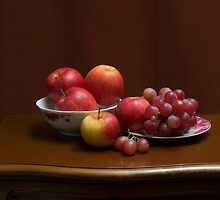 Still life with apples and grapes by Anatoliy Spiridonov