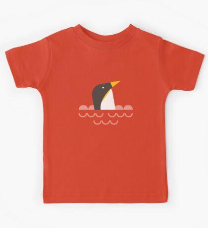 Swimming penguin Kids Tee
