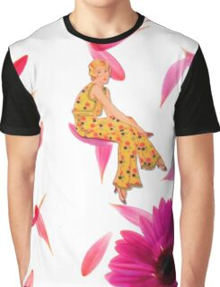 LA VIE EN ROSE Graphic T-Shirt