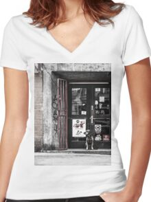 Abandoned dog Women's Fitted V-Neck T-Shirt