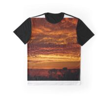A very warm sunset Graphic T-Shirt