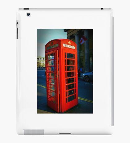 Telephone box, London's traditions iPad Case/Skin