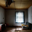 29.10.2014: Interior of Old, Abandoned Farm House by Petri Volanen