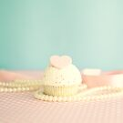 Love Cupcake and Pearls by Caroline Mint