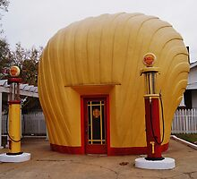 "Old Timey ""Shell Shaped"" Shell Station by paulboggs"