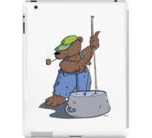 Der Hillbilly Bär spielt Bassgitarre iPad Case/Skin