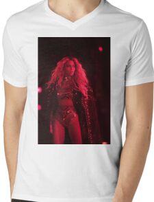 Beyoncé - RED LIGHTS  Mens V-Neck T-Shirt