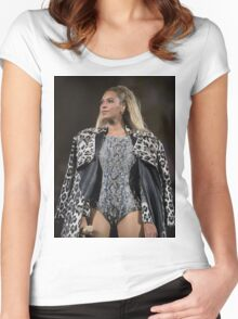 BOW DOWN FOR QUEEN B  Women's Fitted Scoop T-Shirt