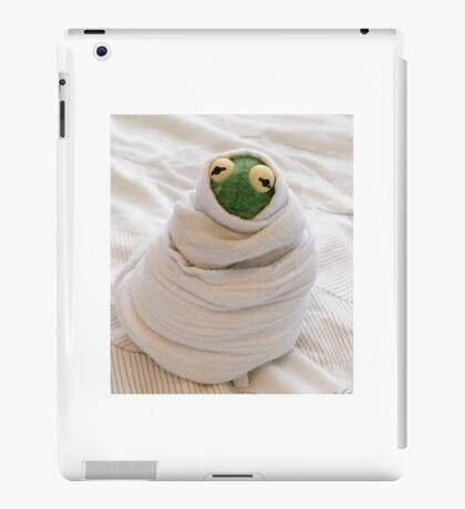 Snug Kermit iPad Case/Skin