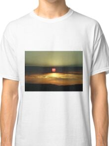 Sunset on the California Nevada border Classic T-Shirt