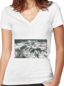 Beautiful waves, Sydney, NSW Women's Fitted V-Neck T-Shirt
