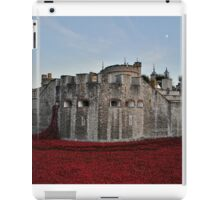 Poppies at the Tower of London - In the evening iPad Case/Skin