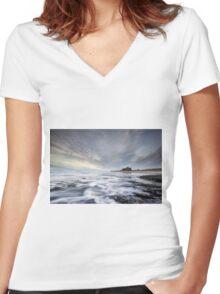 Bamburgh Castle Incoming Tide Women's Fitted V-Neck T-Shirt