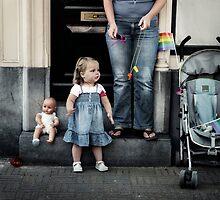 Doll parade by Farfarm