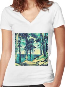 Abstract Shore Women's Fitted V-Neck T-Shirt