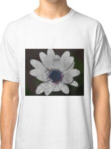 White wet Dasiy Classic T-Shirt