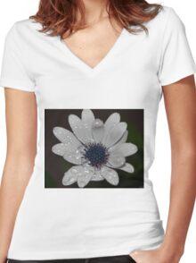 White wet Dasiy Women's Fitted V-Neck T-Shirt