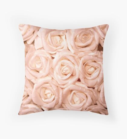 gorgeous roses peach Throw Pillow