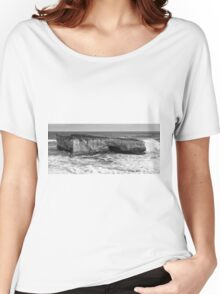 View of the iconic London Bridge in Victoria. Black and White. Women's Relaxed Fit T-Shirt