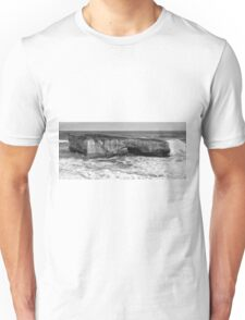 View of the iconic London Bridge in Victoria. Black and White. Unisex T-Shirt